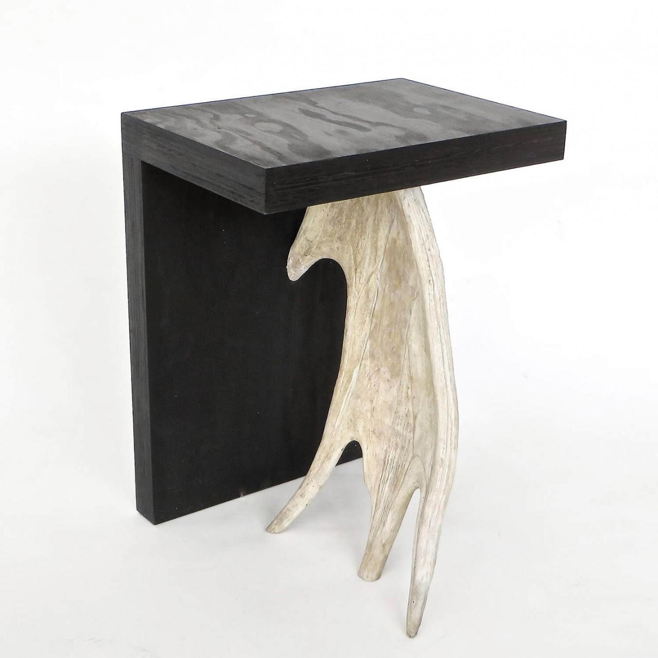 stołek wg projektu Ricka Owensa