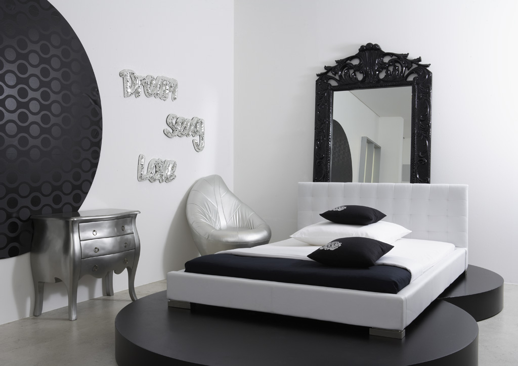 łóżko tapicerowane białe